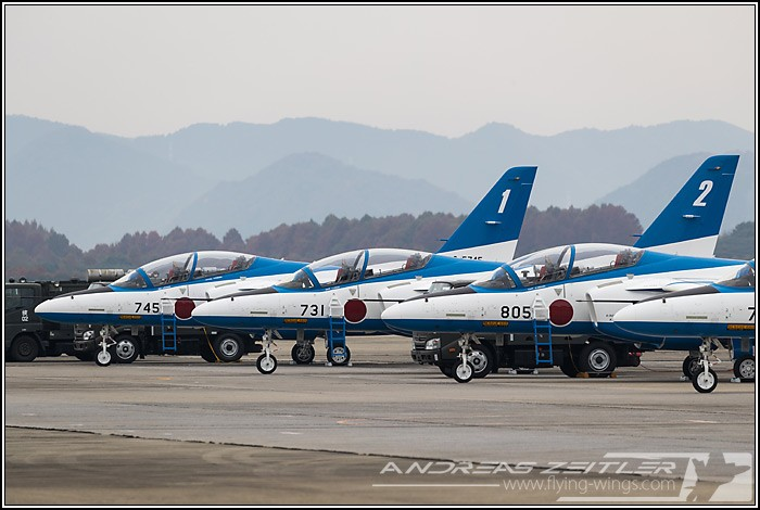 Tsuiki JASDF F 2  Blue Impulse 1789 Zeitler 700 470 90
