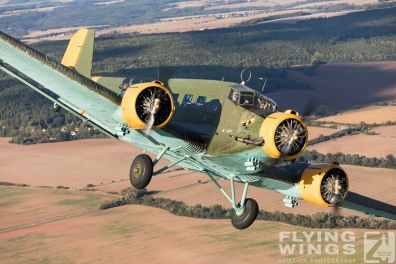 http://www.flying-wings.com/plugins/content/sige/plugin_sige/showthumb.php?img=/images//galleries/18_Ju-52/3/Pilsen_Ju-52_air-air-8958_Zeitler.jpg&width=396&height=300&quality=80&ratio=1&crop=0&crop_factor=50&thumbdetail=0