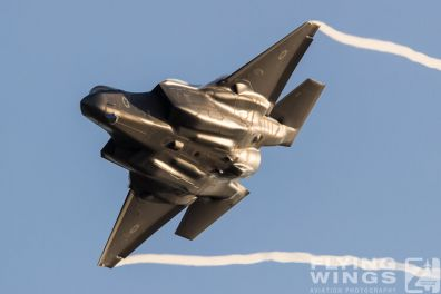 http://www.flying-wings.com/plugins/content/sige/plugin_sige/showthumb.php?img=/images/airshows/18_Hatzerim/adir/Israel_Adir-7643_Zeitler.jpg&width=396&height=300&quality=80&ratio=1&crop=0&crop_factor=50&thumbdetail=0