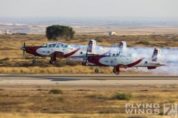http://www.flying-wings.com/plugins/content/sige/plugin_sige/showthumb.php?img=/images/airshows/18_Hatzerim/efroni/Israel_Display_Team-0087_Zeitler.jpg&width=260&height=300&quality=80&ratio=1&crop=0&crop_factor=50&thumbdetail=0