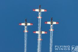 http://www.flying-wings.com/plugins/content/sige/plugin_sige/showthumb.php?img=/images/airshows/18_Hatzerim/efroni/Israel_Display_Team-7462_Zeitler.jpg&width=260&height=300&quality=80&ratio=1&crop=0&crop_factor=50&thumbdetail=0