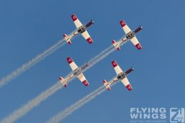 http://www.flying-wings.com/plugins/content/sige/plugin_sige/showthumb.php?img=/images/airshows/18_Hatzerim/efroni/Israel_Display_Team-7495_Zeitler.jpg&width=260&height=300&quality=80&ratio=1&crop=0&crop_factor=50&thumbdetail=0