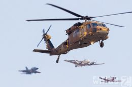 http://www.flying-wings.com/plugins/content/sige/plugin_sige/showthumb.php?img=/images/airshows/18_Hatzerim/formations/Israel_Helicopter-7865_Zeitler.jpg&width=260&height=300&quality=80&ratio=1&crop=0&crop_factor=50&thumbdetail=0