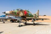 http://www.flying-wings.com/plugins/content/sige/plugin_sige/showthumb.php?img=/images/airshows/18_Hatzerim/gallery/Israel_Static-0578_Zeitler.jpg&width=180&height=200&quality=80&ratio=1&crop=0&crop_factor=50&thumbdetail=0