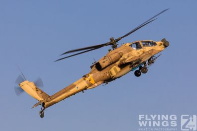http://www.flying-wings.com/plugins/content/sige/plugin_sige/showthumb.php?img=/images/airshows/18_Hatzerim/helicopter/Israel_Apache-0129_Zeitler.jpg&width=396&height=300&quality=80&ratio=1&crop=0&crop_factor=50&thumbdetail=0