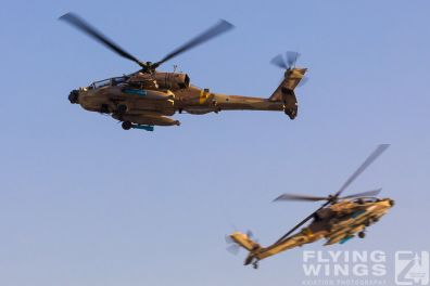 http://www.flying-wings.com/plugins/content/sige/plugin_sige/showthumb.php?img=/images/airshows/18_Hatzerim/helicopter/Israel_Apache-0139_Zeitler.jpg&width=396&height=300&quality=80&ratio=1&crop=0&crop_factor=50&thumbdetail=0