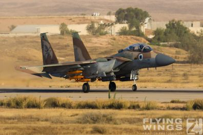 http://www.flying-wings.com/plugins/content/sige/plugin_sige/showthumb.php?img=/images/airshows/18_Hatzerim/raam/Israel_F-15I-0105_Zeitler.jpg&width=396&height=300&quality=80&ratio=1&crop=0&crop_factor=50&thumbdetail=0