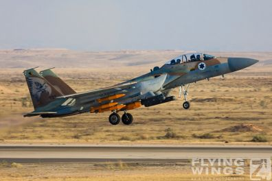 http://www.flying-wings.com/plugins/content/sige/plugin_sige/showthumb.php?img=/images/airshows/18_Hatzerim/raam/Israel_F-15I-0113_Zeitler.jpg&width=396&height=300&quality=80&ratio=1&crop=0&crop_factor=50&thumbdetail=0