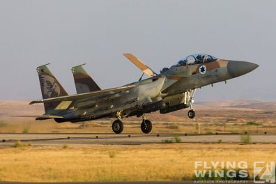 http://www.flying-wings.com/plugins/content/sige/plugin_sige/showthumb.php?img=/images/airshows/18_Hatzerim/raam/Israel_F-15I-0200_Zeitler.jpg&width=396&height=300&quality=80&ratio=1&crop=0&crop_factor=50&thumbdetail=0
