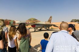 http://www.flying-wings.com/plugins/content/sige/plugin_sige/showthumb.php?img=/images/airshows/18_Hatzerim/so2/Israel_Static-0570_Zeitler.jpg&width=260&height=300&quality=80&ratio=1&crop=0&crop_factor=50&thumbdetail=0