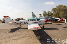 http://www.flying-wings.com/plugins/content/sige/plugin_sige/showthumb.php?img=/images/airshows/18_Hatzerim/so2/Israel_Static-0593_Zeitler.jpg&width=260&height=300&quality=80&ratio=1&crop=0&crop_factor=50&thumbdetail=0