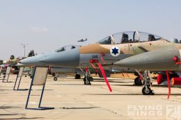 http://www.flying-wings.com/plugins/content/sige/plugin_sige/showthumb.php?img=/images/airshows/18_Hatzerim/so3/Israel_Static-0609_Zeitler.jpg&width=260&height=300&quality=80&ratio=1&crop=0&crop_factor=50&thumbdetail=0