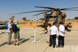 http://www.flying-wings.com/plugins/content/sige/plugin_sige/showthumb.php?img=/images/airshows/18_Hatzerim/so3/Israel_Static-0618_Zeitler.jpg&width=260&height=300&quality=80&ratio=1&crop=0&crop_factor=50&thumbdetail=0