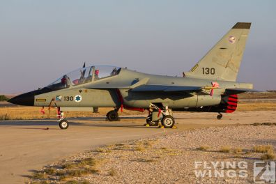 http://www.flying-wings.com/plugins/content/sige/plugin_sige/showthumb.php?img=/images/airshows/18_Hatzerim/static/Israel_Static-0249_Zeitler.jpg&width=396&height=300&quality=80&ratio=1&crop=0&crop_factor=50&thumbdetail=0