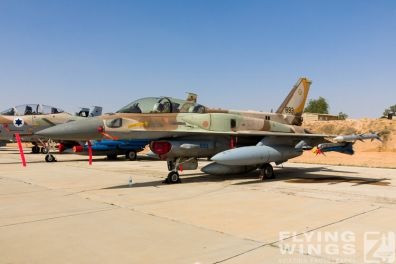 http://www.flying-wings.com/plugins/content/sige/plugin_sige/showthumb.php?img=/images/airshows/18_Hatzerim/static/Israel_Static-0548_Zeitler.jpg&width=396&height=300&quality=80&ratio=1&crop=0&crop_factor=50&thumbdetail=0