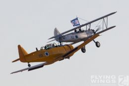 http://www.flying-wings.com/plugins/content/sige/plugin_sige/showthumb.php?img=/images/airshows/18_Hatzerim/warbirds/Israel_Warbirds-7291_Zeitler.jpg&width=260&height=300&quality=80&ratio=1&crop=0&crop_factor=50&thumbdetail=0