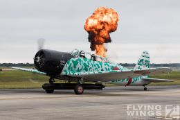http://www.flying-wings.com/plugins/content/sige/plugin_sige/showthumb.php?img=/images/airshows/18_Houston/Tora_6/Houston_Airshow_Tora-1181_Zeitler.jpg&width=260&height=300&quality=80&ratio=1&crop=0&crop_factor=50&thumbdetail=0