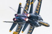 http://www.flying-wings.com/plugins/content/sige/plugin_sige/showthumb.php?img=/images/airshows/18_Houston/gallery/Houston_Airshow_Blue_Angels-3206_Zeitler.jpg&width=180&height=200&quality=80&ratio=1&crop=0&crop_factor=50&thumbdetail=0