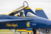 http://www.flying-wings.com/plugins/content/sige/plugin_sige/showthumb.php?img=/images/airshows/18_Houston/gallery/Houston_Airshow_Blue_Angels_ground-0783_Zeitler.jpg&width=180&height=200&quality=80&ratio=1&crop=0&crop_factor=50&thumbdetail=0