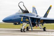 http://www.flying-wings.com/plugins/content/sige/plugin_sige/showthumb.php?img=/images/airshows/18_Houston/gallery/Houston_Airshow_Blue_Angels_ground-2757_Zeitler.jpg&width=180&height=200&quality=80&ratio=1&crop=0&crop_factor=50&thumbdetail=0