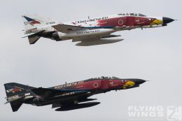 http://www.flying-wings.com/plugins/content/sige/plugin_sige/showthumb.php?img=/images/airshows/18_Hyakuri/flying_3/Hyakuri_Airshow_Specials-9819_Zeitler.jpg&width=260&height=300&quality=80&ratio=1&crop=0&crop_factor=50&thumbdetail=0