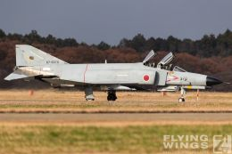 http://www.flying-wings.com/plugins/content/sige/plugin_sige/showthumb.php?img=/images/airshows/18_Hyakuri/gallery/Hyakuri_Airshow_F-4EJ-0191_Zeitler.jpg&width=260&height=400&quality=80&ratio=1&crop=0&crop_factor=50&thumbdetail=0