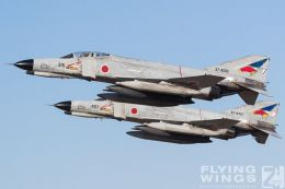 http://www.flying-wings.com/plugins/content/sige/plugin_sige/showthumb.php?img=/images/airshows/18_Hyakuri/gallery/Hyakuri_Airshow_Formation-8674_Zeitler.jpg&width=260&height=400&quality=80&ratio=1&crop=0&crop_factor=50&thumbdetail=0