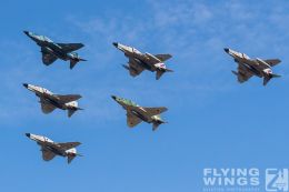 http://www.flying-wings.com/plugins/content/sige/plugin_sige/showthumb.php?img=/images/airshows/18_Hyakuri/gallery/Hyakuri_Airshow_Formation-8711_Zeitler.jpg&width=260&height=400&quality=80&ratio=1&crop=0&crop_factor=50&thumbdetail=0