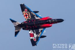 http://www.flying-wings.com/plugins/content/sige/plugin_sige/showthumb.php?img=/images/airshows/18_Hyakuri/gallery/Hyakuri_Airshow_Specials-4978_Zeitler.jpg&width=260&height=400&quality=80&ratio=1&crop=0&crop_factor=50&thumbdetail=0