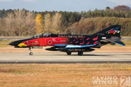 http://www.flying-wings.com/plugins/content/sige/plugin_sige/showthumb.php?img=/images/airshows/18_Hyakuri/gallery/Hyakuri_Airshow_Specials-5005_Zeitler.jpg&width=260&height=400&quality=80&ratio=1&crop=0&crop_factor=50&thumbdetail=0
