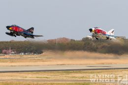 http://www.flying-wings.com/plugins/content/sige/plugin_sige/showthumb.php?img=/images/airshows/18_Hyakuri/gallery/Hyakuri_Airshow_Specials-8919_Zeitler.jpg&width=260&height=400&quality=80&ratio=1&crop=0&crop_factor=50&thumbdetail=0