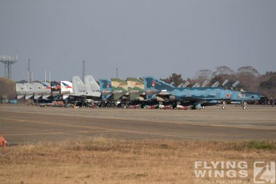 http://www.flying-wings.com/plugins/content/sige/plugin_sige/showthumb.php?img=/images/airshows/18_Hyakuri/intro_2/Hyakuri_Airshow_so-8910_Zeitler.jpg&width=396&height=300&quality=80&ratio=1&crop=0&crop_factor=50&thumbdetail=0