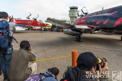 http://www.flying-wings.com/plugins/content/sige/plugin_sige/showthumb.php?img=/images/airshows/18_Hyakuri/intro_2/Hyakuri_Airshow_static-5539_Zeitler.jpg&width=396&height=300&quality=80&ratio=1&crop=0&crop_factor=50&thumbdetail=0