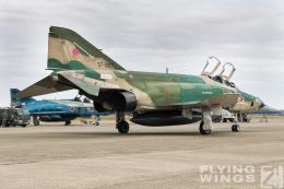 http://www.flying-wings.com/plugins/content/sige/plugin_sige/showthumb.php?img=/images/airshows/18_Hyakuri/phantoms9_3/Hyakuri_Airshow_RF-4E-9595_Zeitler.jpg&width=260&height=300&quality=80&ratio=1&crop=0&crop_factor=50&thumbdetail=0