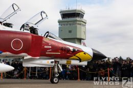 http://www.flying-wings.com/plugins/content/sige/plugin_sige/showthumb.php?img=/images/airshows/18_Hyakuri/phantoms9_3/Hyakuri_Airshow_static-5533_Zeitler.jpg&width=260&height=300&quality=80&ratio=1&crop=0&crop_factor=50&thumbdetail=0