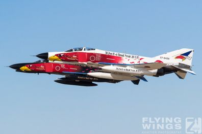 http://www.flying-wings.com/plugins/content/sige/plugin_sige/showthumb.php?img=/images/airshows/18_Hyakuri/sc_2/Hyakuri_Airshow_Specials-8945_Zeitler.jpg&width=396&height=300&quality=80&ratio=1&crop=0&crop_factor=50&thumbdetail=0