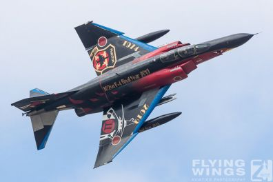 http://www.flying-wings.com/plugins/content/sige/plugin_sige/showthumb.php?img=/images/airshows/18_Hyakuri/sc_2/Hyakuri_Airshow_Specials-9921_Zeitler.jpg&width=396&height=300&quality=80&ratio=1&crop=0&crop_factor=50&thumbdetail=0