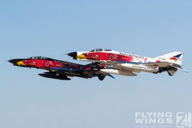 http://www.flying-wings.com/plugins/content/sige/plugin_sige/showthumb.php?img=/images/airshows/18_Hyakuri/towers_2/Hyakuri_Airshow_Specials-8940_Zeitler.jpg&width=396&height=300&quality=80&ratio=1&crop=0&crop_factor=50&thumbdetail=0