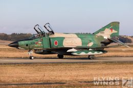 http://www.flying-wings.com/plugins/content/sige/plugin_sige/showthumb.php?img=/images/airshows/18_Japan/1/Hyakuri_501-2949_Zeitler.jpg&width=260&height=300&quality=80&ratio=1&crop=0&crop_factor=50&thumbdetail=0
