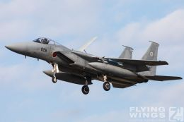 http://www.flying-wings.com/plugins/content/sige/plugin_sige/showthumb.php?img=/images/airshows/18_Japan/10/Komatsu_F-15-4158_Zeitler.jpg&width=260&height=300&quality=80&ratio=1&crop=0&crop_factor=50&thumbdetail=0