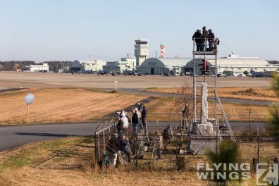 http://www.flying-wings.com/plugins/content/sige/plugin_sige/showthumb.php?img=/images/airshows/18_Japan/2/Hyakuri_so-2917_Zeitler.jpg&width=396&height=300&quality=80&ratio=1&crop=0&crop_factor=50&thumbdetail=0