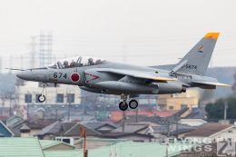 http://www.flying-wings.com/plugins/content/sige/plugin_sige/showthumb.php?img=/images/airshows/18_Japan/3/Iruma_T-4-7456_Zeitler.jpg&width=260&height=300&quality=80&ratio=1&crop=0&crop_factor=50&thumbdetail=0
