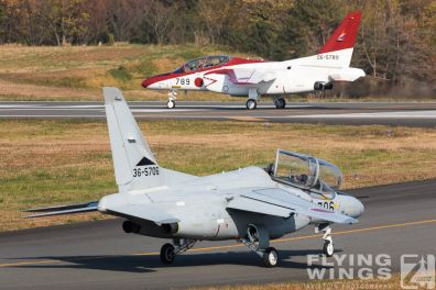 http://www.flying-wings.com/plugins/content/sige/plugin_sige/showthumb.php?img=/images/airshows/18_Japan/4/Iruma_T-4-3426_Zeitler.jpg&width=396&height=300&quality=80&ratio=1&crop=0&crop_factor=50&thumbdetail=0