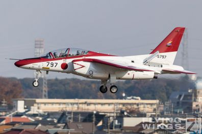 http://www.flying-wings.com/plugins/content/sige/plugin_sige/showthumb.php?img=/images/airshows/18_Japan/6/Iruma_T-4-7487_Zeitler.jpg&width=396&height=300&quality=80&ratio=1&crop=0&crop_factor=50&thumbdetail=0