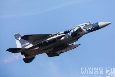 http://www.flying-wings.com/plugins/content/sige/plugin_sige/showthumb.php?img=/images/airshows/18_Japan/8/Komatsu_Aggressors-3982_Zeitler.jpg&width=396&height=300&quality=80&ratio=1&crop=0&crop_factor=50&thumbdetail=0