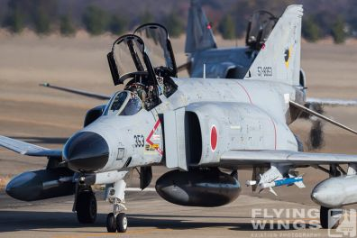 http://www.flying-wings.com/plugins/content/sige/plugin_sige/showthumb.php?img=/images/airshows/18_Japan/summary/Hyakuri_301-6523_Zeitler.jpg&width=396&height=300&quality=80&ratio=1&crop=0&crop_factor=50&thumbdetail=0