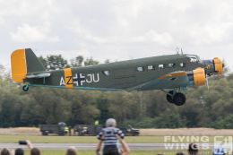 http://www.flying-wings.com/plugins/content/sige/plugin_sige/showthumb.php?img=/images/airshows/18_Pilsen/wwii_15/Pilsen_Ju-52-0560_Zeitler.jpg&width=260&height=300&quality=80&ratio=1&crop=0&crop_factor=50&thumbdetail=0