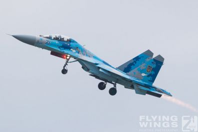 http://www.flying-wings.com/plugins/content/sige/plugin_sige/showthumb.php?img=/images/airshows/18_Radom/Flanker_4/Radom_Su-27-7396_Zeitler.jpg&width=396&height=300&quality=80&ratio=1&crop=0&crop_factor=50&thumbdetail=0