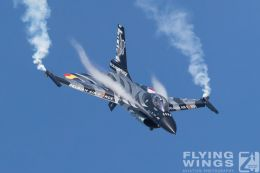 http://www.flying-wings.com/plugins/content/sige/plugin_sige/showthumb.php?img=/images/airshows/18_Radom/Jets_9/Radom_F-16_Belgium-6558_Zeitler.jpg&width=260&height=300&quality=80&ratio=1&crop=0&crop_factor=50&thumbdetail=0