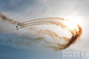 http://www.flying-wings.com/plugins/content/sige/plugin_sige/showthumb.php?img=/images/airshows/18_bias/Aeroclub2//BIAS_Aerobatics-6427_Zeitler.jpg&width=396&height=300&quality=80&ratio=1&crop=0&crop_factor=50&thumbdetail=0